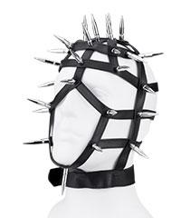 Lederriemen-Maske mit langen Nieten